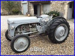 Tracteur ferguson TEA20 1956 avec carte grise